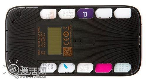 数据漫游费太贵 疯狂热点可插10张SIM卡