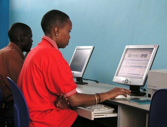 女网民很小众!发展中国家男女网民差别达23%